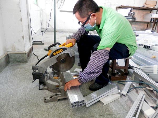 Cuting  the HEPA air filter aluminum profiles